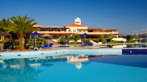 Pilot Beach Resort & SPA 5* /HB, FB
