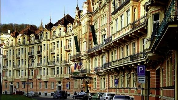 Dvorak 4*, Karlovy Vary